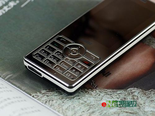 镜面与宽屏结合步步高时尚音乐机i8评测(4)