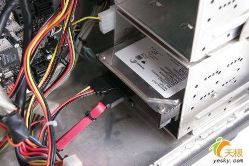 图解diy高手组装电脑全过程