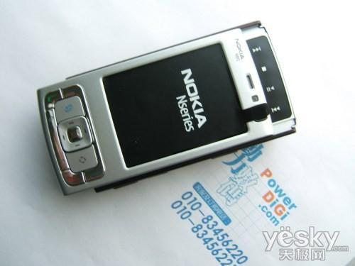 主力派老将 诺言基亚N95但特价而沽1799元