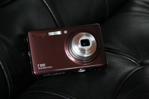 时尚多彩全景拍摄相机爱国者F100评测