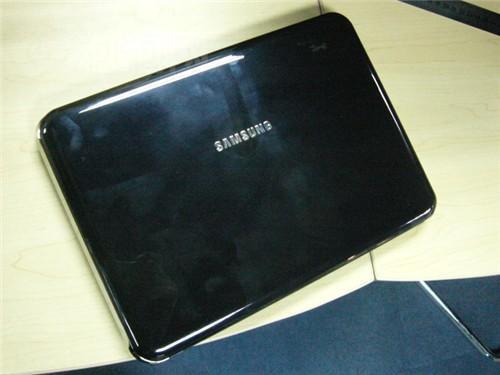 时尚黑珍珠三星X118轻薄本现报5299