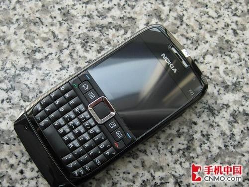 超薄智能商务机 黑色版诺基亚E71到货