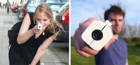 举起手来手枪型概念数码相机产品曝光(图)