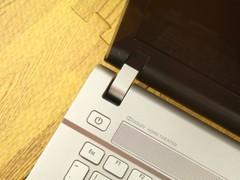 Acer V3-471G黑色 中轴图