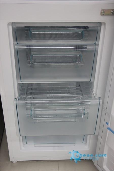 简单节能设计松下白色两门冰箱热销