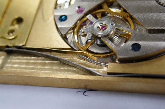 设计师自制手表机芯针孔相机