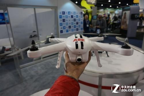 航拍飞行远程监控AEE展出航拍器TORUK