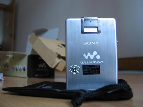 数码收藏家:35岁Walkman重温那些感动的瞬间