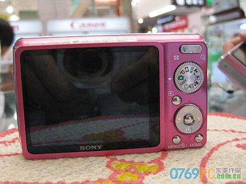 图为:索尼数码照相机w220