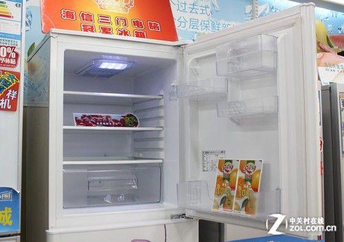 钛立方杀菌除臭海信三门冰箱现2199元