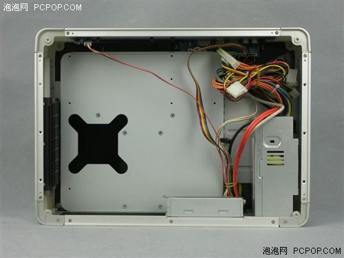 计算机开机时机箱上部经由cpu散热风扇吸气,形成机箱内部正压,再经由
