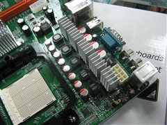 ,支持HT3.0总线.支持AMD最新... 64 X2/Athlon 64 FX/Athlon 64处理...