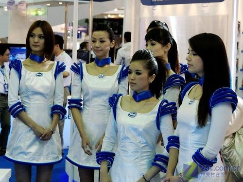 COMPUTEX2008:看showgirl体验高科技