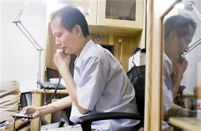 科技时代_法制晚报:方舟子茶楼外遇袭 铁锤砸腰