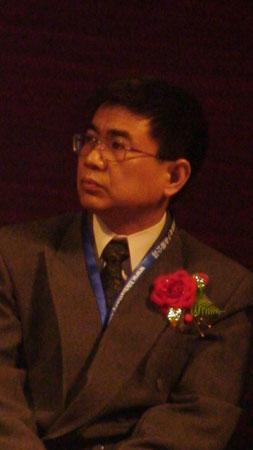 科技时代_图文:嘉宾在华南锂电高层论坛发言