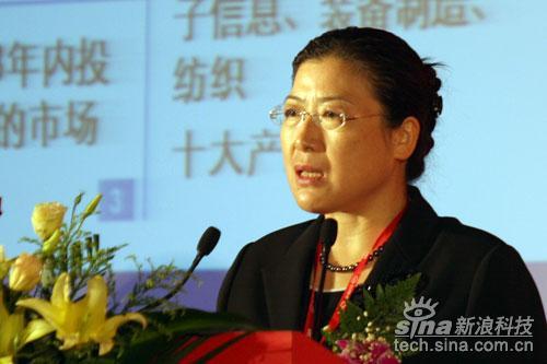 东软高级副总裁 卢朝霞