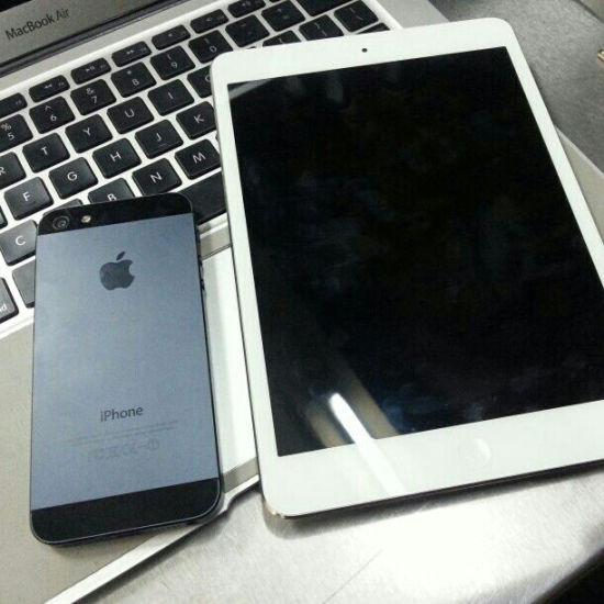 "iPad Mini、iPhone 5和Macbook air已经成为许多公司年底尾牙的必备""三件套""。"