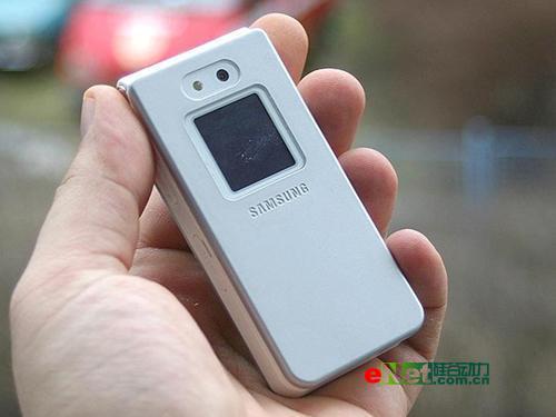 陶瓷外壳三星纯白手机E878仅售1380元