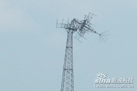科技时代_图文:移动通信基站被地震折断