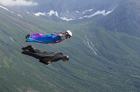 美国女子翼装飞行滑翔天际