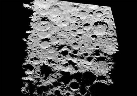 美用地面望远镜绘出迄今最清晰月球南极地图