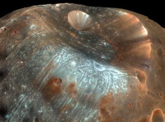 美探测器发回火星卫星高清3D照片(组图)
