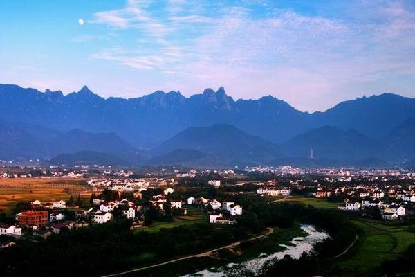 九华山:山村