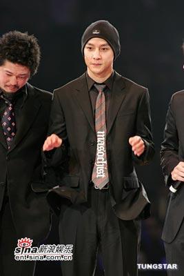 天秤座代表男星:吴彦祖(图片来源:新浪娱乐)