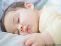 宝宝睡姿有讲究,哪个姿势最正确?