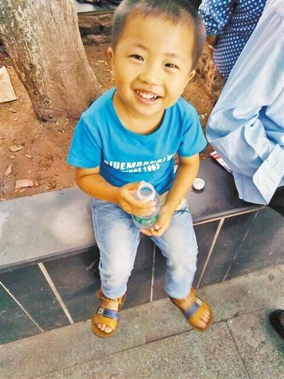 4岁男童宇宇。