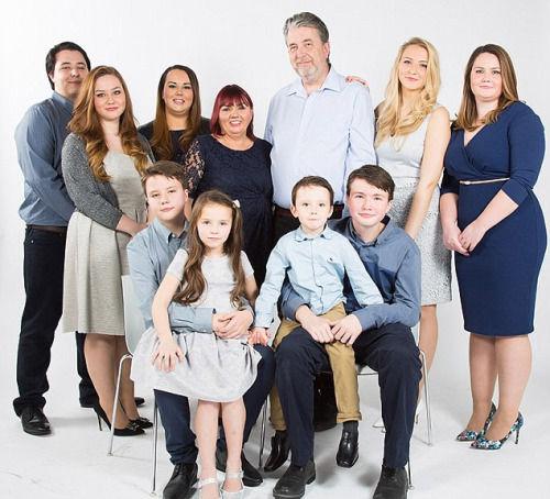 夫妇育9子,丈夫:如果有钱会生第10个孩子