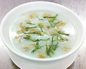 春季食谱:紫苏肉松粥(图)