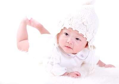 反应强度微弱宝宝的特征