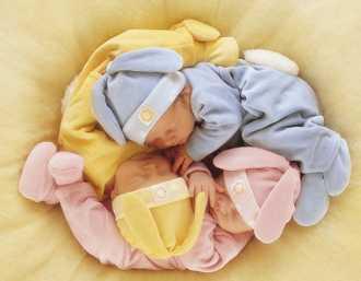 新生宝宝拒绝小枕头(图)