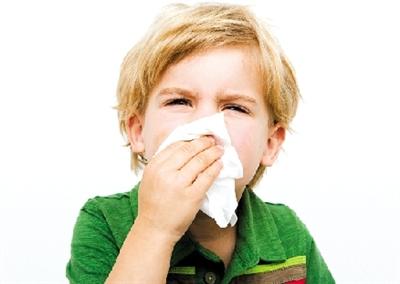 孩子擤鼻涕方法不对易诱发鼻窦炎