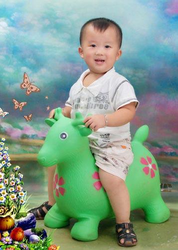 动感宝贝·我型我秀第226期:一岁十个月的宝宝(图)