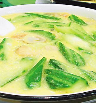 乳汁不通食疗:丝瓜肉片汤