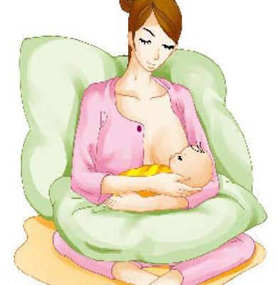 给宝宝喂奶时正确抱姿(图)