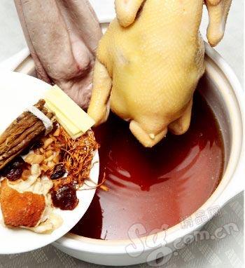 用整只天知鸡做的肚包汤,一定让你感受到不一样的鲜鸡味