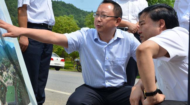 市委副书记、市长胡伟林到韶山视察润泽东方项目用地