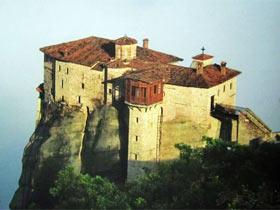 悬在空中的修道院(图)