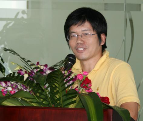 获奖者:《重新发现社会》作者熊培云