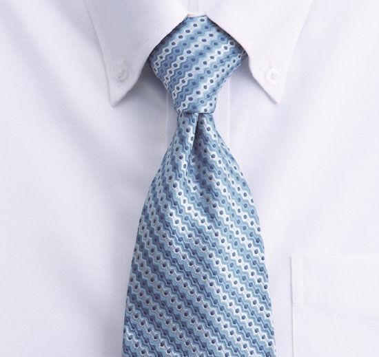高貴來自實用:領帶源自日耳曼人的獸皮結(新浪讀書配圖)