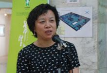 中国报道杂志社社长兼总编辑陈实主持《城市与人-鄂尔多斯印象》摄影展剪彩仪式