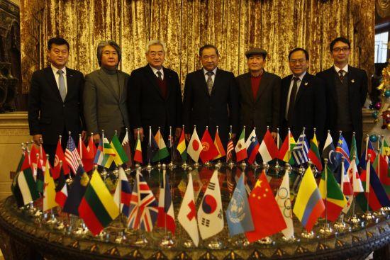 世界跆拳道联盟与中国世界和平基金会相聚和苑博物馆
