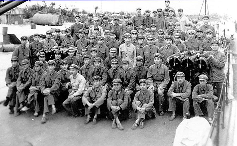 1974年西沙海战出征官兵的合影