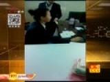 实拍人社局公务员上班玩手机 视频遭强删