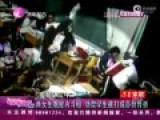 监拍两女生教室斗殴 劝架学生被打成鼻骨骨折