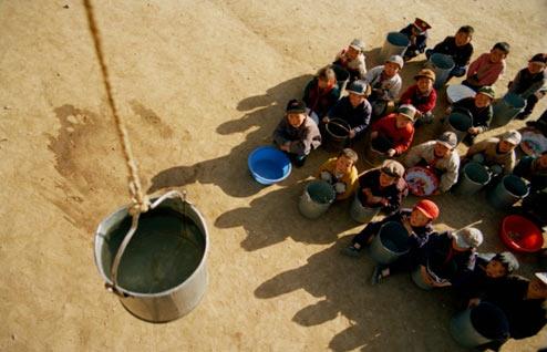 """2005年""""中国-人与水""""摄影大赛二等奖作品"""