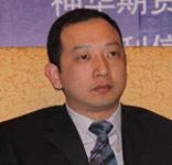 汇利资产公司总经理何震